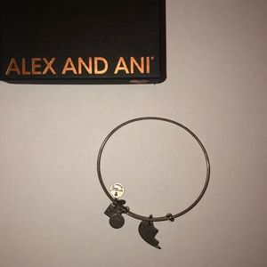 ✨2/$15 Alex and ani best friends bracelet